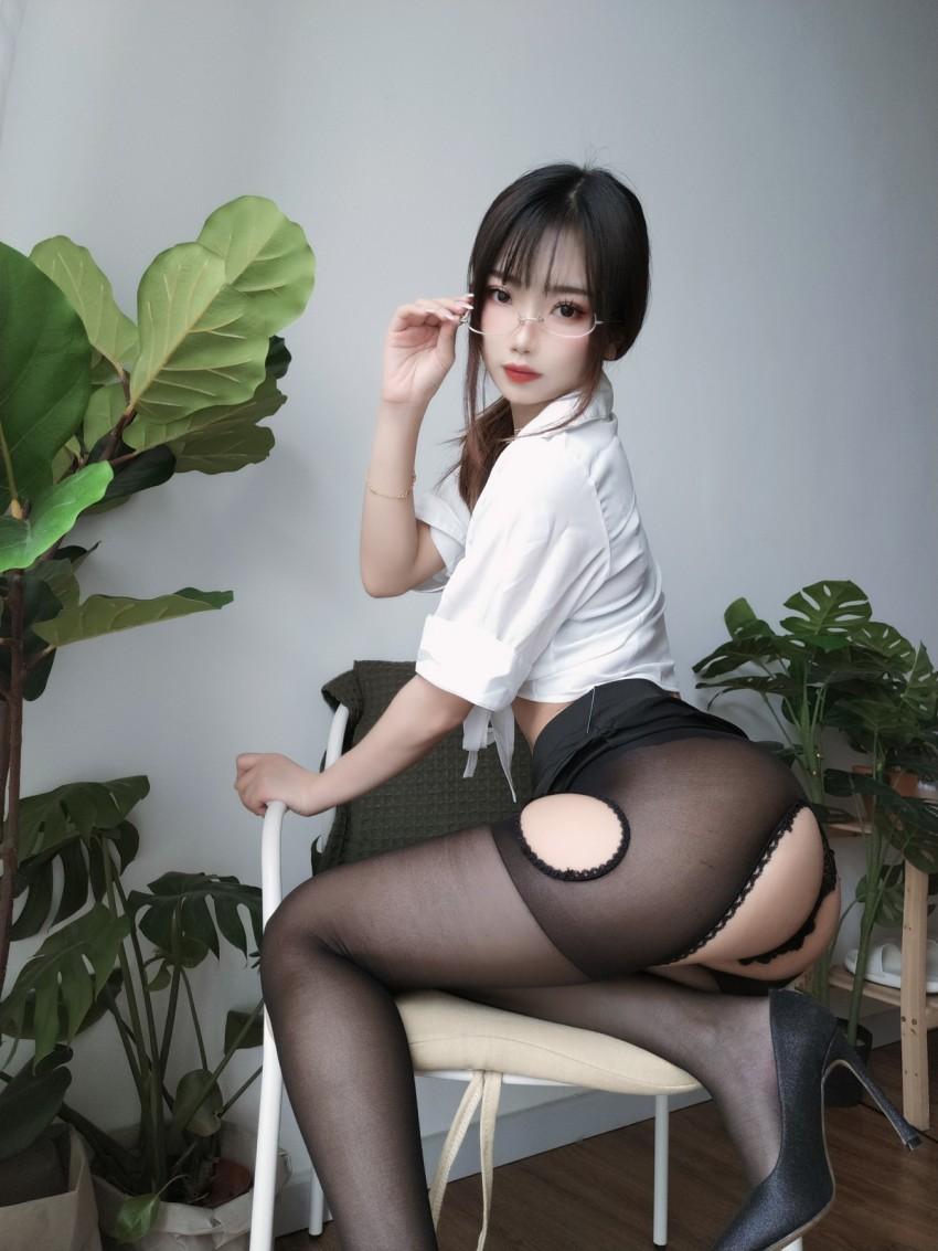 【鬼畜瑶在不在w】 女教师 [35P 107MB]